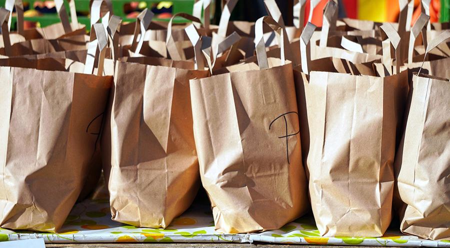 Ekologiczne sposoby na zapakowanie niemal każdej paczki