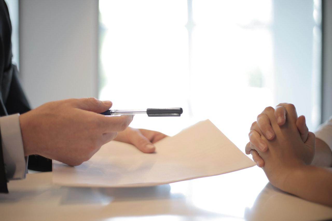 podpisanie-umowy-pozyczka