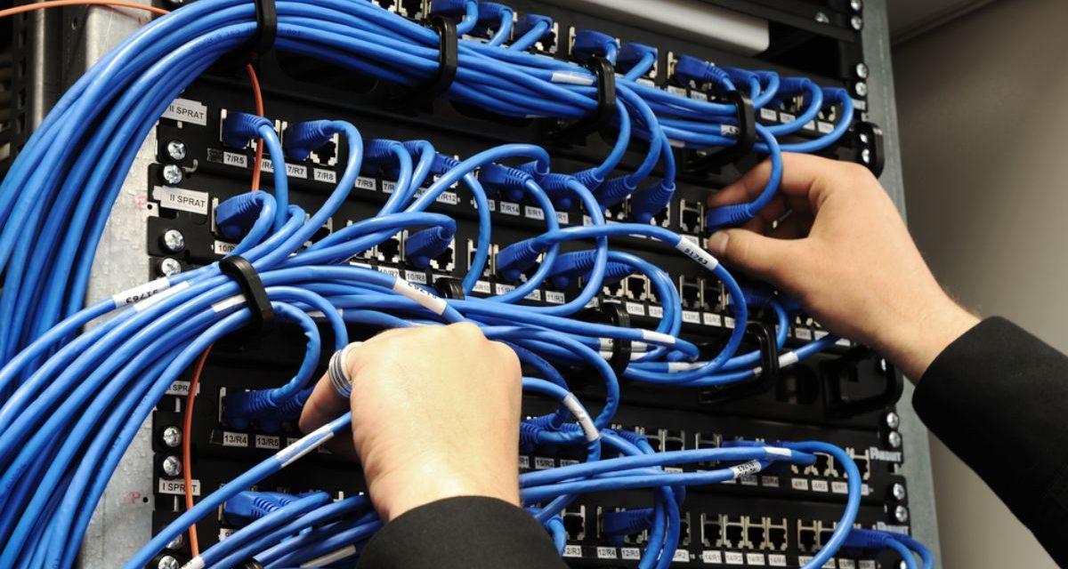 Czym się różni serwer VPS od hostingu?