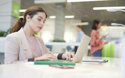 Obieg dokumentów w firmie – papierowe dokumenty kontra nowoczesne technologie