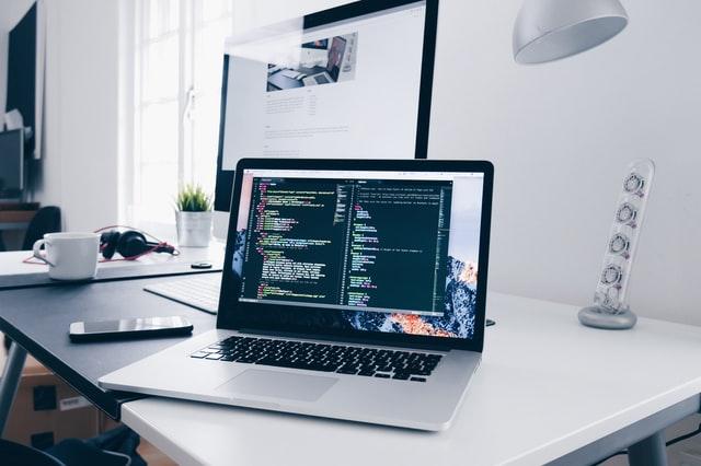 Tworzenie stron internetowych – jak wystartować w sieci?