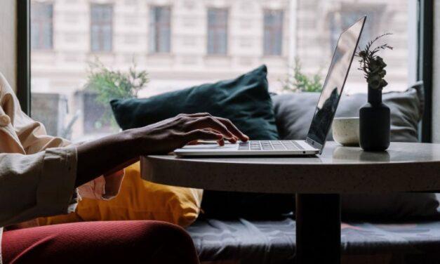 Czym się kierować podczas zakupu laptopa?