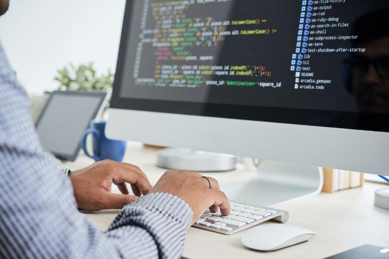 Dlaczego powierzyć stworzenie swojej strony internetowej profesjonalistom?